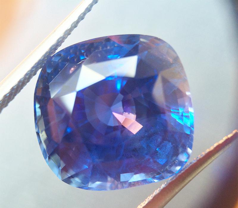 Buying sapphires